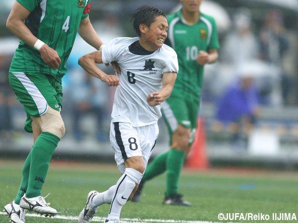 ◆画像◆湘南来季新加入内定の国士舘山口和樹選手(155cm)が捕まった宇宙人みたいだと話題に!