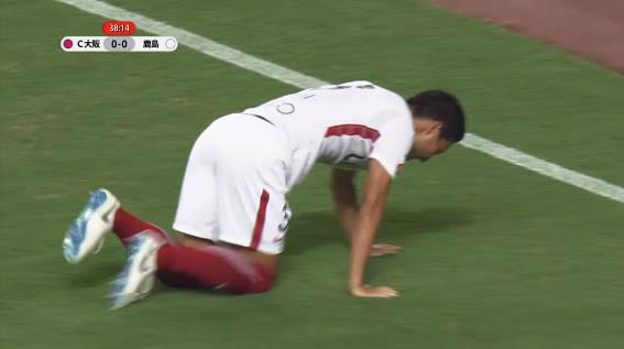 ◆悲報◆昌子源、移籍断って鹿島残留も残留後初戦で負傷退場…自力で歩けず