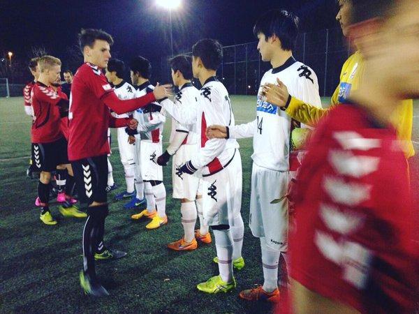 ◆育成年代◆コンサドーレ札幌U18がドイツ3部ゾネホフのトップチームらしき相手に10-1の爆勝していると話題に!
