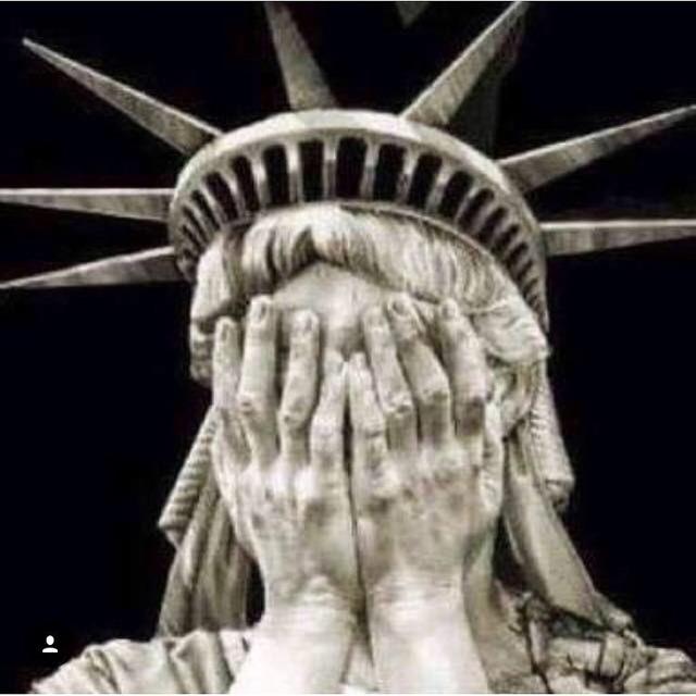 ◆画像◆最近絶好調のバロテッリ、アメリカ大統領選挙の結果を憂う・・・・(´・ω・`)