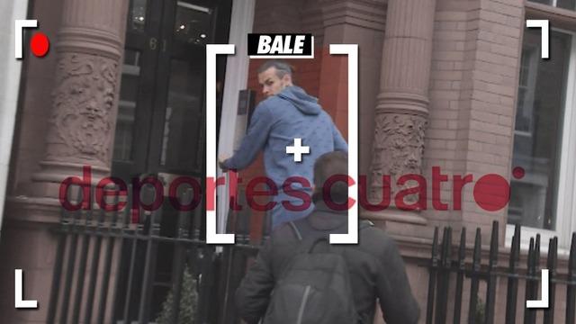 ◆画像◆負傷中にロンドンお忍び旅行中のギャレス・ベイルがパパラッチされた結果www