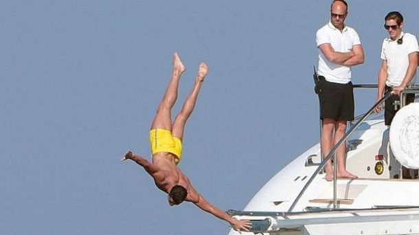 ◆画像小ネタ◆クリロナのダイビングが美しすぎる!!!