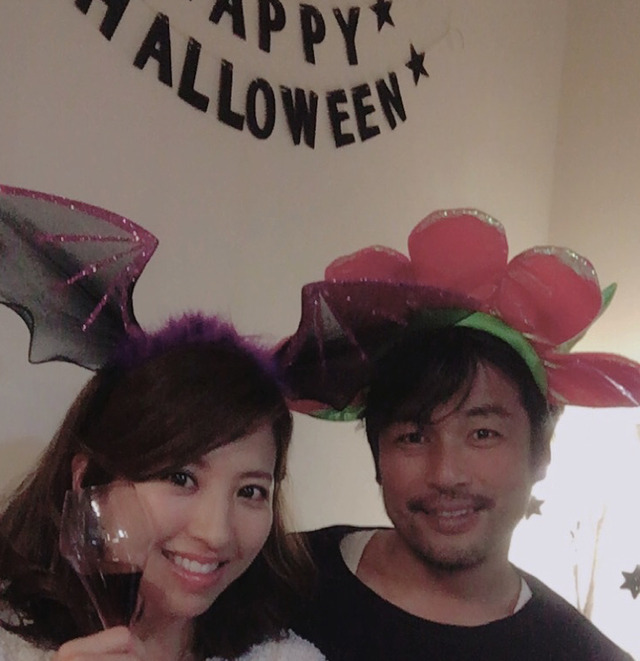 ◆画像◆ハロウィンで夫の元日本代表FW柳沢敦とツーショットの由香里夫人(モデル)が幸せそうだと話題に!