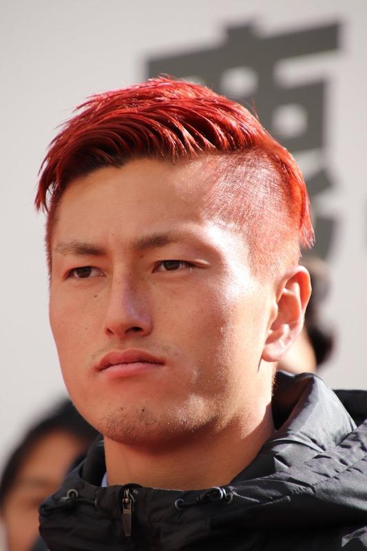 ◆悲報◆鹿島FW鈴木優磨さん、赤モヒカンにして『北斗の拳』の雑魚キャラ認定される