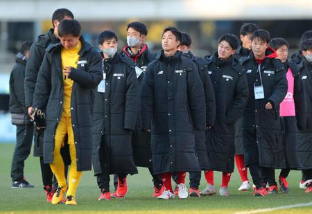 ◆悲報◆高校サッカー、76年度大会以降初!8強全てが「東日本」「西日本」は全滅..