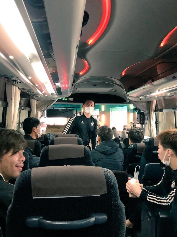 ◆悲報◆金欠経営難アルビレックス新潟、キャンプ地高知まで12時間バス移動