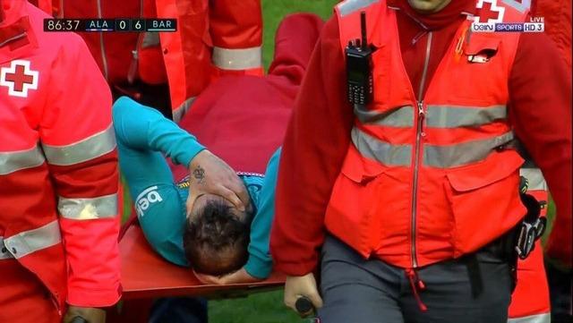 ◆閲覧注意◆バルサ戦、レアル・マドリー戦で相次ぎ開放骨折で選手壊れる