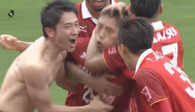 ◆悲報◆讃岐戦決勝ゴールの名古屋FW杉本竜士、ヒーローインタビューで『殊勲』の意味わからず(´・ω・`)