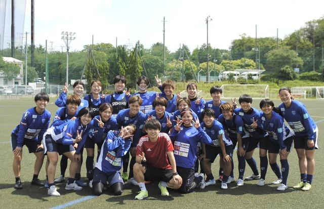 ◆朗報◆元横浜FC斉藤光毅、五輪代表落ちしたけど代わりに大量の女子に囲まれる
