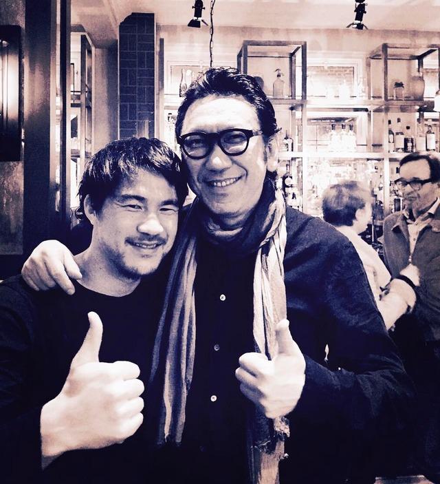 ◆画像◆ギタリスト布袋寅泰がレスター岡崎慎司を訪ねてツーショットをパシャリ!