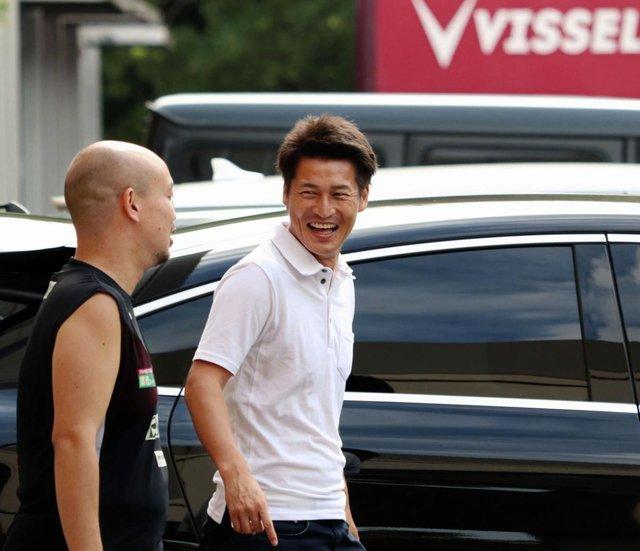 ◆朗報◆事実上の解任、ヴィッセル神戸前指揮官吉田孝行が憑き物が取れたように晴れやかな表情だと話題に!