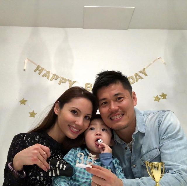 ◆画像◆川島永嗣、35歳の誕生日に嫁と息子を公開!これはクッソと言わざるを得ない?