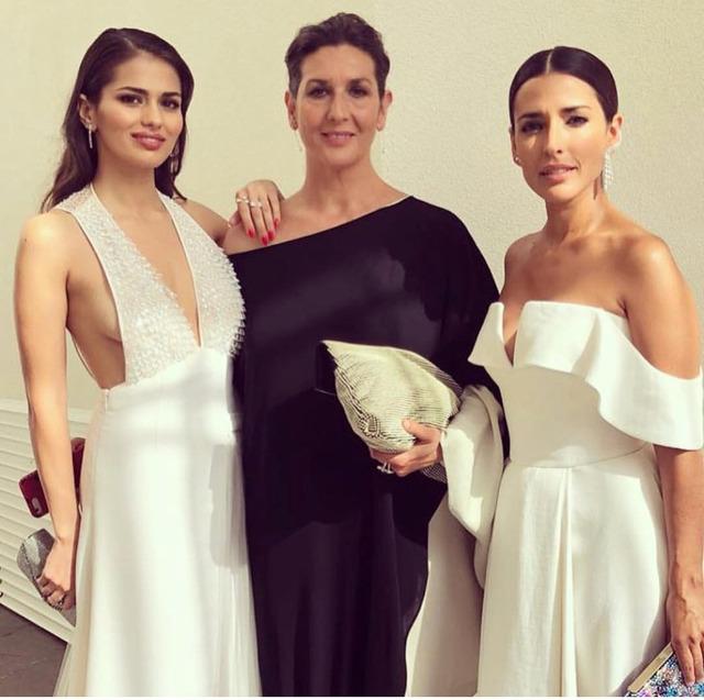 ◆画像◆レアル・マドリーMFイスコさん嫁のドレスが大胆過ぎると話題に!