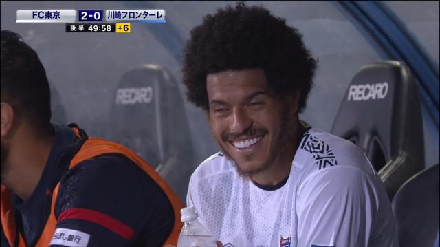 ◆画像◆川崎F戦で2G後ベンチのレアンドロさんがいい笑顔すぎる件www