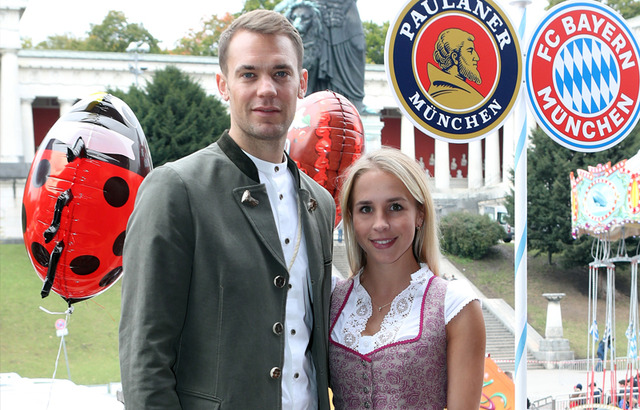 ◆悲報◆ドイツ代表GKノイアー(34)、妻と別居中に19歳の新恋人との同棲が発覚