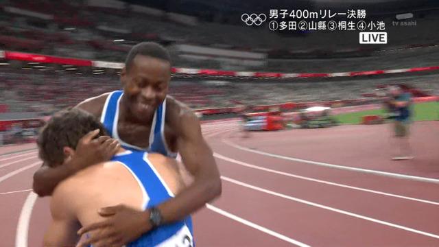 ◆悲報◆東京五輪陸上男子100m×4リレー決勝、日本1走から2走にバトン渡らず失格、優勝はイタリア