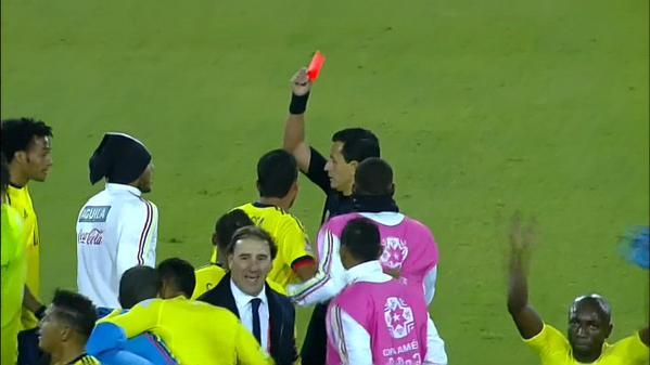 ◆コパアメリカ◆ネイマール負けた腹いせにボールをアルメロにぶつけて大乱闘勃発!