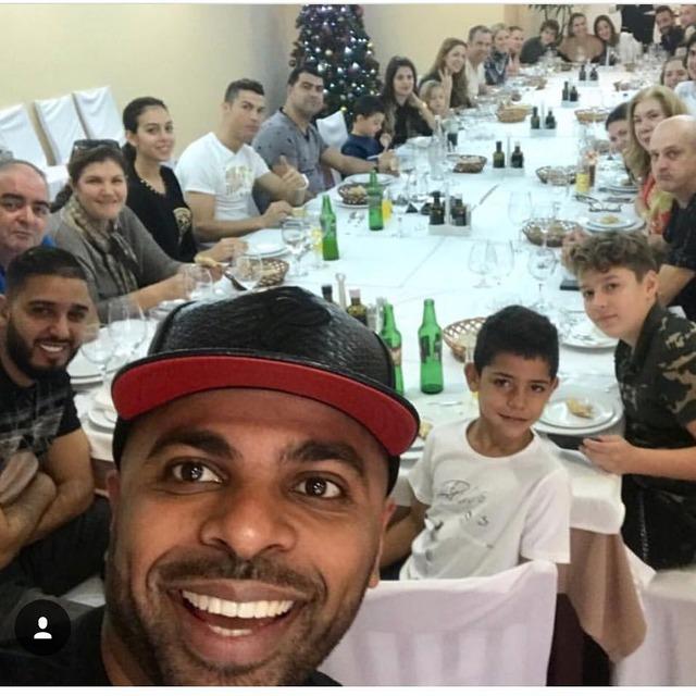 ◆画像◆クリロナさん一家の晩餐会がすごい人数になってて草