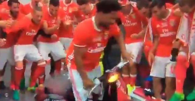 ◆ポルトガル◆控室で優勝を祝うベンフィカイレブンの祝い方が過去最高のクレイジーさだと話題に!