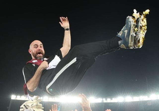 ◆悲報◆アジア杯制したのにくすぶるカタール代表監督更迭論…後任候補はシャビ