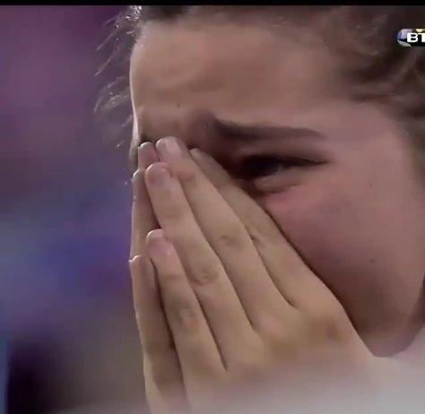 ◆イイハナシダナー◆ミラノのドゥオーモで泣き崩れるアトレティを慰めるレアルファンが素晴らしいと話題に!