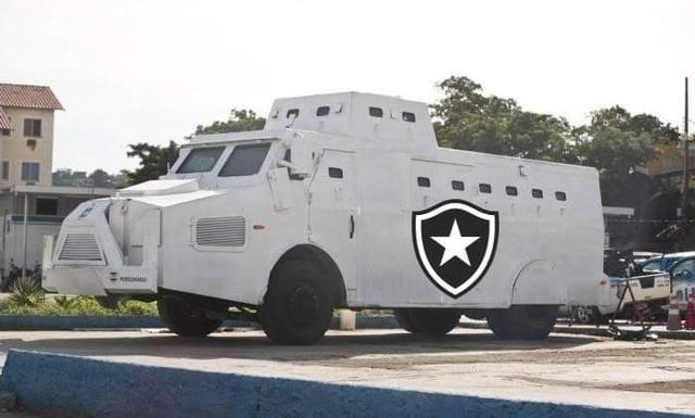 ◆小ネタ◆本田圭佑、ボタフォゴに防弾車要求してサポから装甲車を提案されるwww