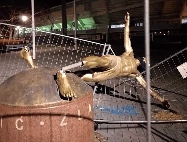 ◆悲報◆ズラタン・イブラヒモビッチの銅像、マルメサポに完全破壊される