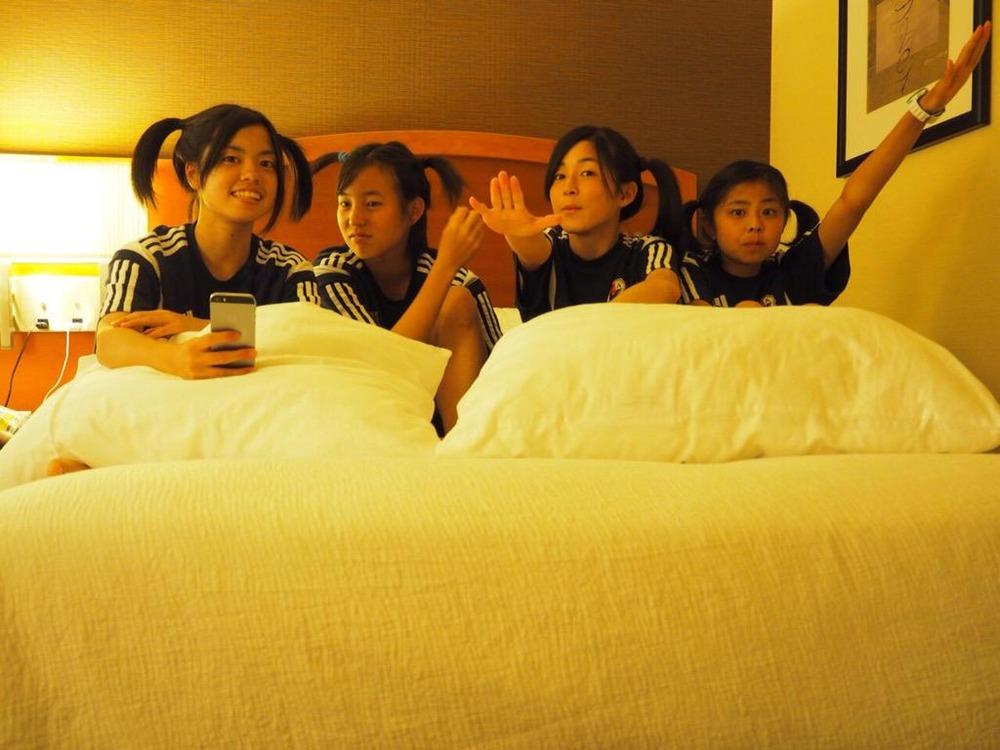 ◆新ヤンなで◆ヤンなでたちのベッド上の一枚が可愛すぎるとなでしこのお姉さま方が注目!