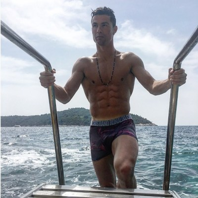◆画像◆クロアチアの海でバカンス中のクリロナさんが再び筋肉マニアになっている件