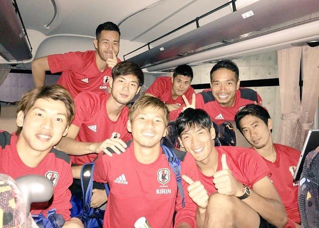 ◆画像◆日本代表帰りのバスから…乾貴士が完全に代表の中心に??