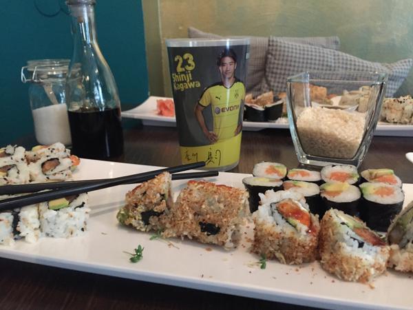 ◆画像◆ドル公式、香川グッズと一緒に写った寿司盛り合わせが汚すぎると話題に!