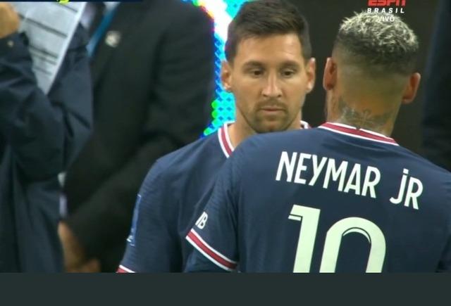 ◆速報◆リオネル・メッシ、ランス戦66分PSGデビュー!ネイマールと交代
