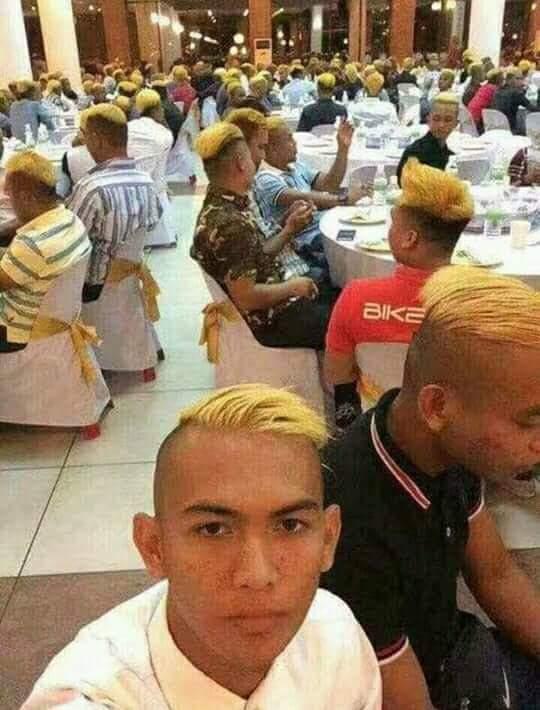 ◆画像◆最近ゴラッソ連発の本田圭佑、ついにパチューカに本田マニアの金髪軍団出現!