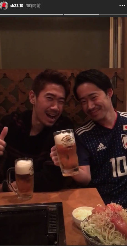 ◆朗報◆ものまねジャパンの自身のそっくりさんとビールを酌み交わす香川真司さん幸せそうw