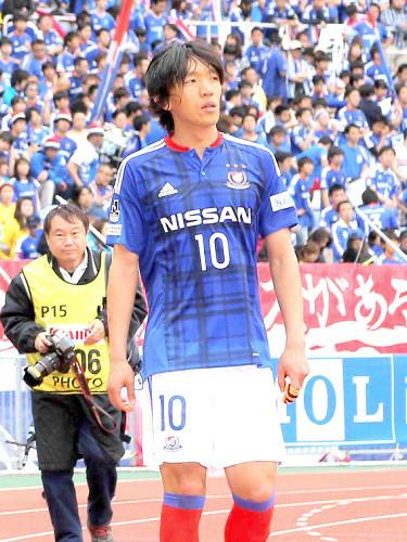 ◆Jリーグ◆生涯契約&監督手形・・・俊さん聞いてない!複数スタッフも退団で横浜Fマリノス迷走