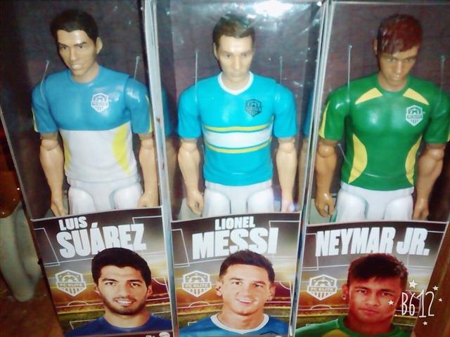 ◆画像◆スペインで売られているMSN人形・・・スアレスだけよく似ててワロタwww