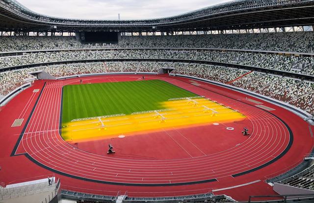 ◆悲報◆完成間近の新国立競技場が横酷に匹敵すると話題に!