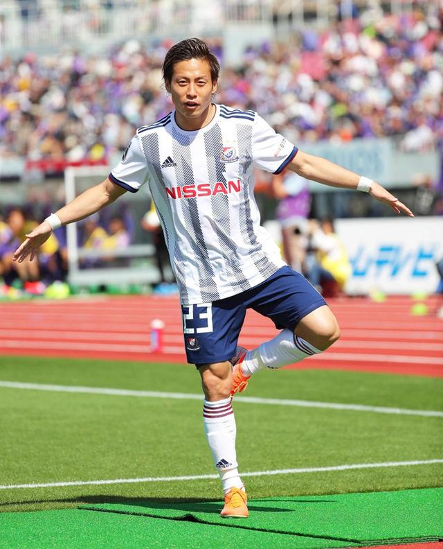 ◆悲報◆横浜FM仲川輝人、J1令和初ゴールで令和パフォしてたら腿裏負傷