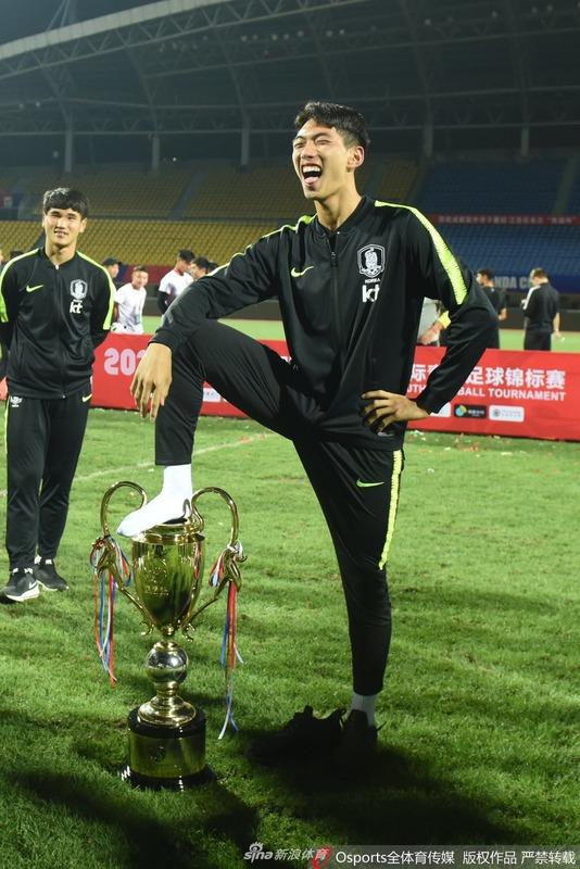 ◆速報◆中国パンダ杯で優勝カップ踏みつけたU18韓国代表…優勝剥奪処分