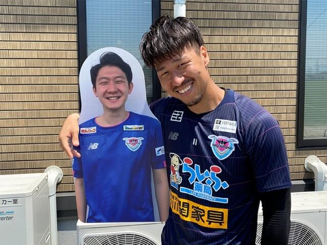 ◆Jリーグ◆経営危機サガン鳥栖、段ボールサポを3500円で販売してしまう!
