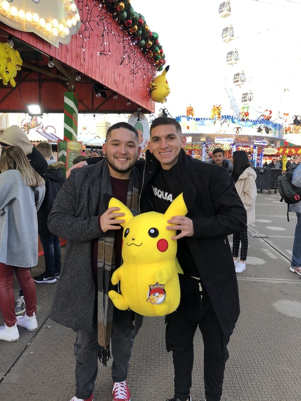 ◆朗報◆アーセナルMFルーカス・トレイラさん遊園地でピカチュウ抱いてニッコニコ