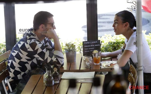 ◆悲報◆クリロナさんの新彼女ジョルジナにビジネス彼女疑惑!?またまた他の男とカフェでお茶