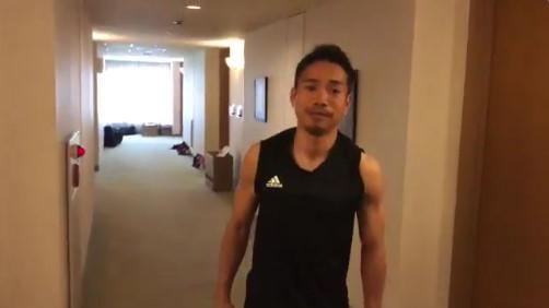 ◆代表小ネタ◆長友佑都の体幹トレーニング 撮影by本田圭佑wwwww