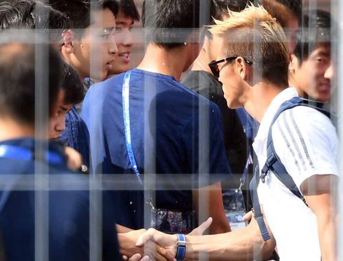 ◆代表小ネタ◆ケイスケホンダが東京五輪世代久保健英と遭遇した結果