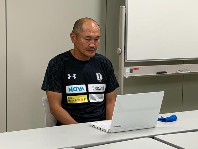 ◆悲報◆グルージャ岩手秋田豊監督、初勝利直後の会見なのにボッチ感がすごい