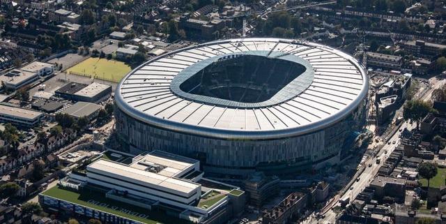◆プレミア◆トットナム元会長が問題の便器っぽい新スタジアム訪問して一言「トイレが誇り!」 (´・ω・`)