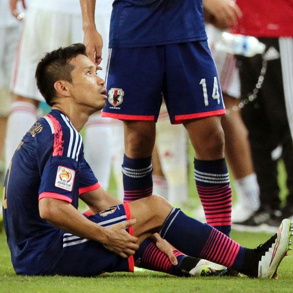 ◆日本代表◆アジア杯で低レベルの相手にてこずった長友佑都の「限界」 by ゲンダイ