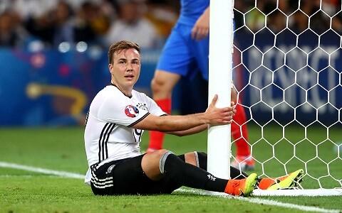 ◆悲報◆ドイツ代表GKマヌエル・ノイアーさん、6失点が悔しすぎてポストに話しかけてしまう