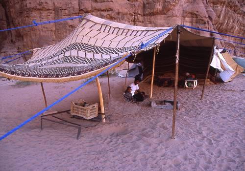 ◆朗報?悲報?◆22年W杯カタール大会では砂漠テントで宿泊させられるかもしれない