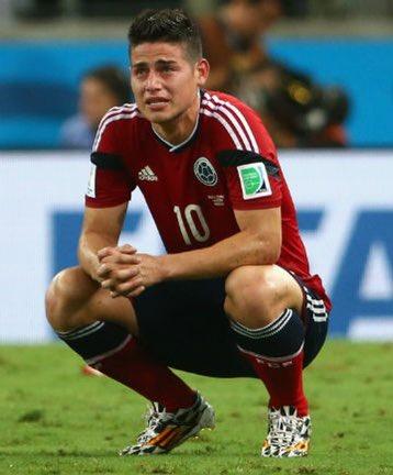 ◆悲報◆ハメス・ロドリゲス、代表練習中に左膝を負傷…現地では十字靭帯に関する深刻なものとの声も
